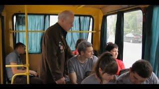 Обычный автобус и все как обычно. до слез ( военные песни под гитару)