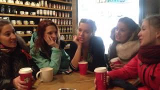 Девушки поют народные песни в кафе! Русская культура будет жить всегда!